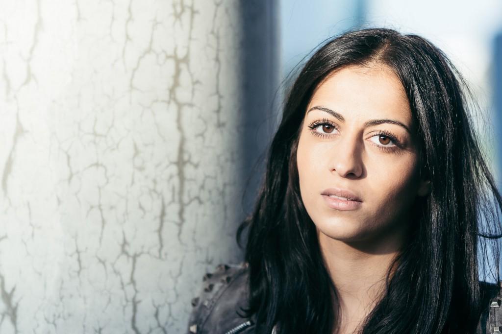 Portrait female long lashes, available light portrait shootin on location