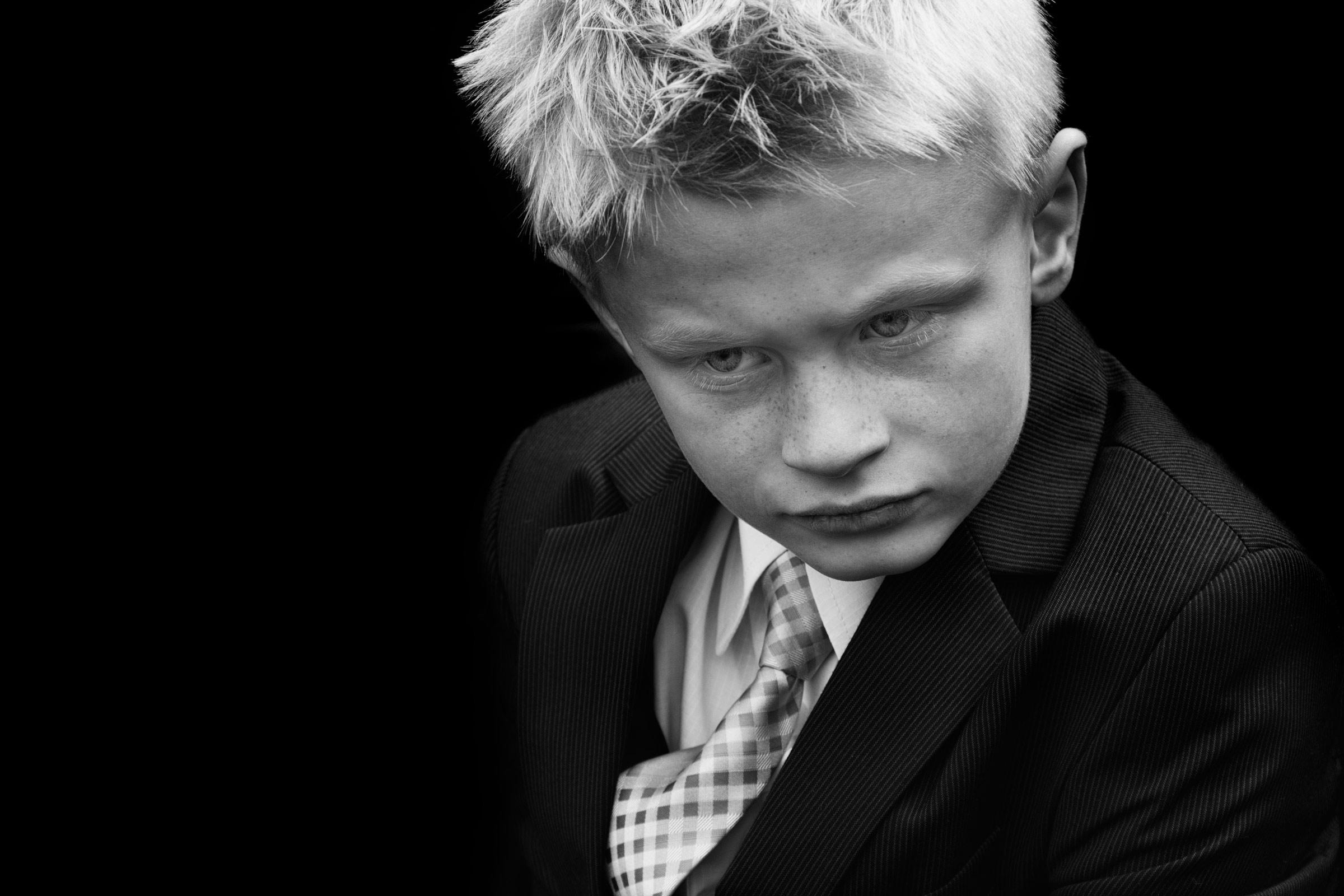 Leon-black-&-white