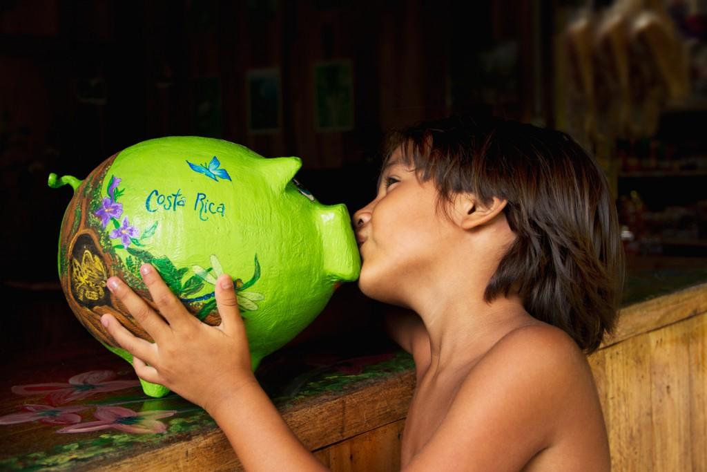corstarica boy kiss
