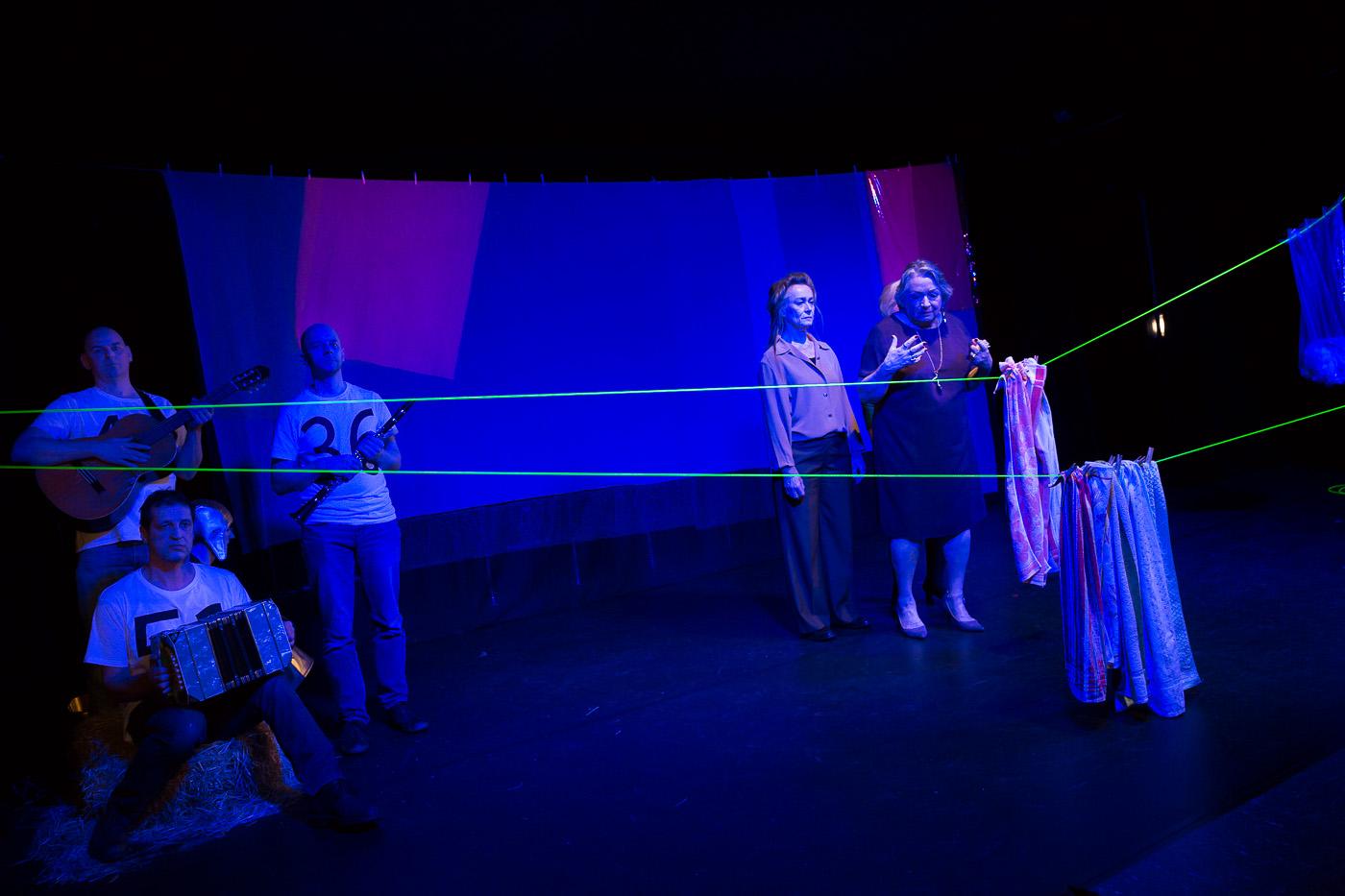 traumA theater_-21