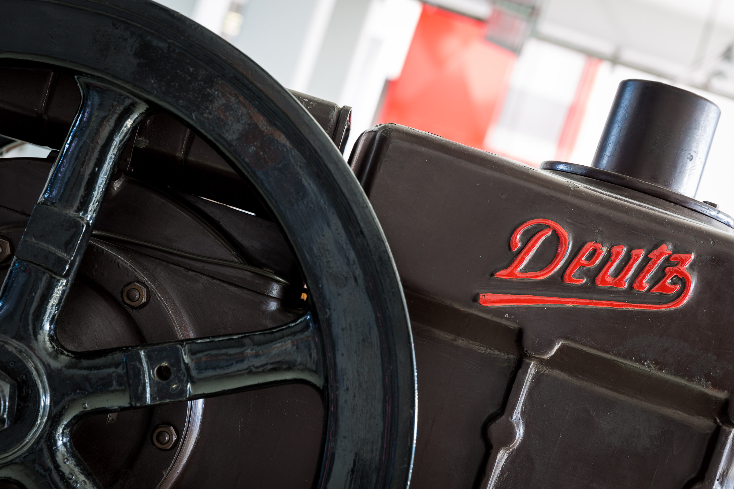 Deutz engine logo stills red